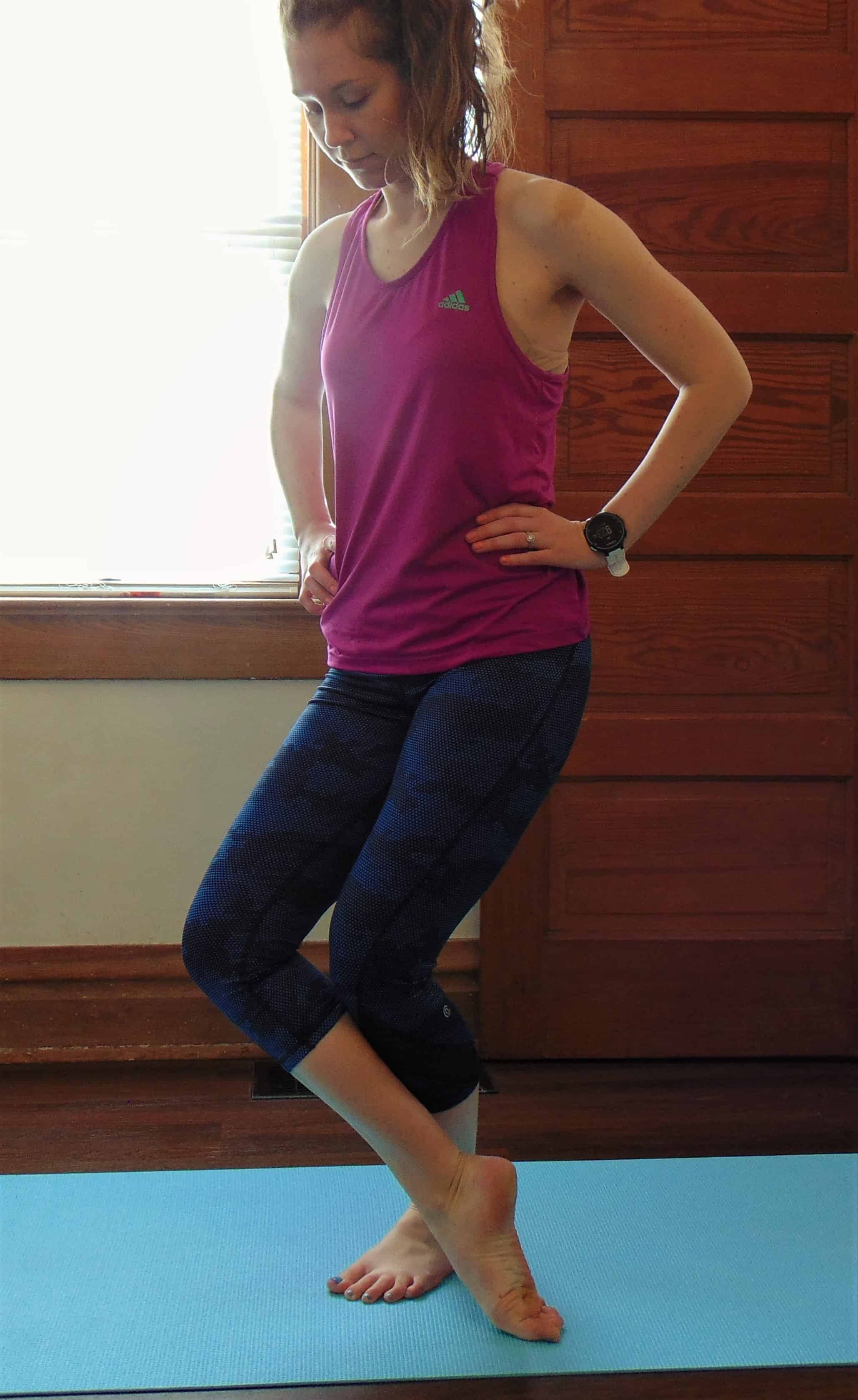 Complete these 10 best lower body stretches for runners after a running workout to stay injury free. These leg stretches are especially important for runners with tight hips or knee pain after a workout. This simple stretching routine targets all the major areas in our lower bodies (hips, calves, thighs and feet) in less than 10 minutes. You will notice a difference immediately with these post run stretches.