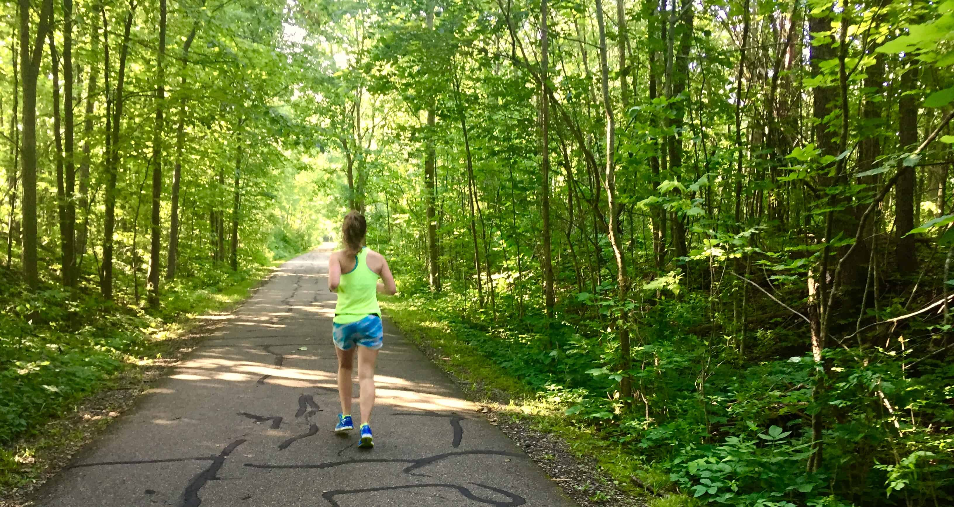 These long distance running tips will help any runner during marathon training or just as you're beginning to increase your mileage. Check out this article for all the secrets to successful long distance training for life!