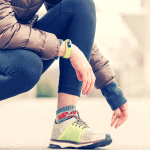 These 8 tips for jogging in winter will help you conquer cold weather running. Here is what to wear, how to stay warm and keep your mind motivated in the winter. #winterrunning #coldweatherrunning