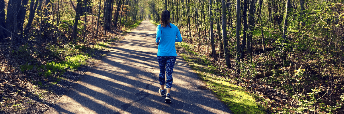Run walk training is an effective way for beginners to start running and train for races. Here is everything you need to know about the run walk run method, from the planning your run walk intervals to maintaining motivation throughout. #runwalkintervals #runwalkrun #runwalkmethod