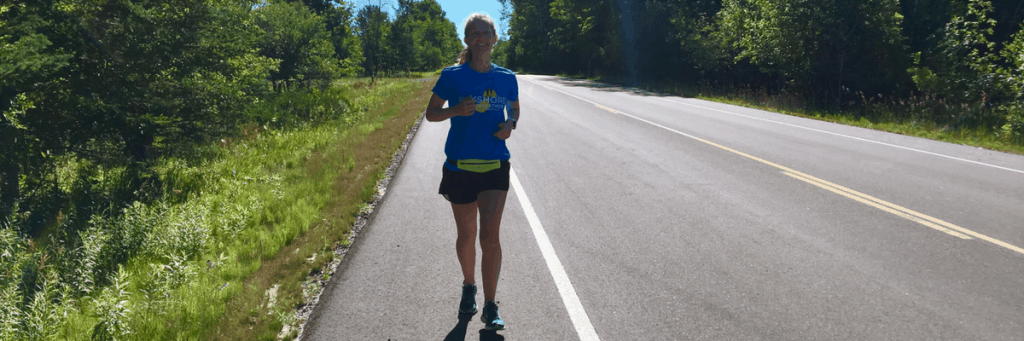 Here is all the motivation your need for running alone. Check out 8 tips to enjoy solo running, plus how to safely run alone. You might be surprised by some of the benefits of running alone! #runningalone #solorunning