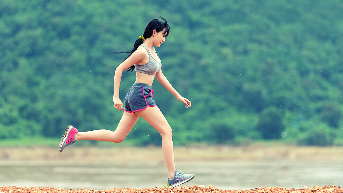 Learn the benefits of sprinting vs jogging and how to incorporate interval training in your workouts. Try these 4 simple sprint workouts to get started – whether you're outdoors, on the track or treadmill, here are the best running sprints! #sprintingworkout #runningsprints
