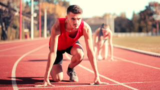 Try these 7 strategies to get a running PR at your next race. Here is how to create a training plan that will set you up for a personal record in running. #runningpr #personalrecord