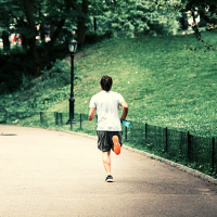 Try these 6 strategies to conquer your 20 mile run during marathon training! Check out everything you need to know for long run fueling, recovery and more. #longrun #marathontraining